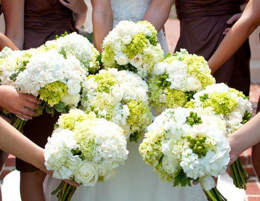 hoa cưới cầm tay cẩm tú cầu