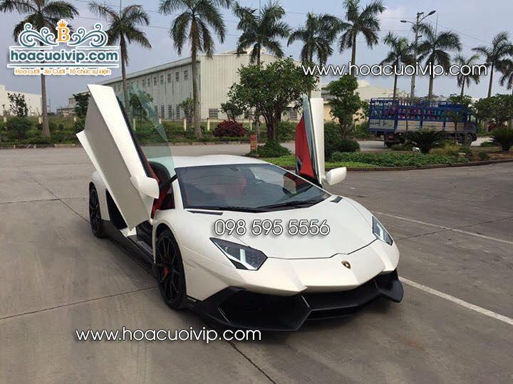 thuê xe cưới Lamborghini Aventador màu trắng