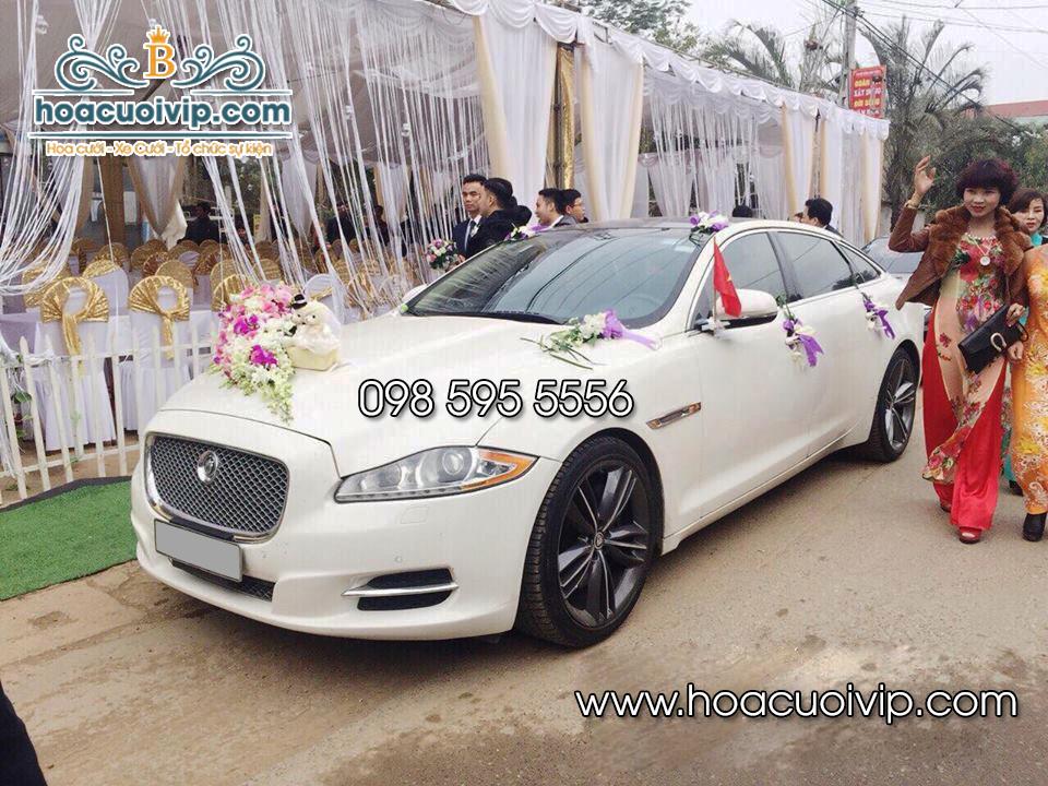 thuê xe cưới jaguar xjl 3.0 mau trang