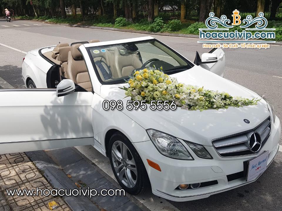thuê xe cưới mercedes E400 cabriolet mui trần trắng